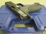 Smith & Wesson M&P40 w/Crimson Trace Laser Grips .40 S&W 220071 - 5 of 9