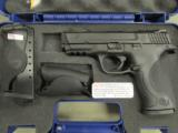 Smith & Wesson M&P40 w/Crimson Trace Laser Grips .40 S&W 220071 - 1 of 9