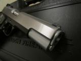 Dan Wesson Silverback Two Tone .45 ACP - 6 of 10