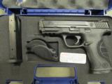 """Smith & Wesson Model M&P40 Pro Series 4.25"""" .40 S&W 178036 - 1 of 8"""