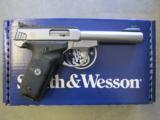 Smith & Wesson SW22 Victory Stainless .22 LR 108490