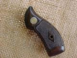 Smith & Wesson Diamond checkered Grips - 1 of 2