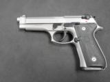 Beretta 92FS Inox 9mm JS92F500 NIB! - 1 of 3