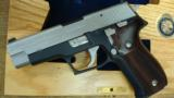SIG SAUER P226 FBI ACADEMY COMMERATIVE 40CAL UNFIRED IN WOOD CASE - 2 of 3
