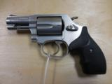 """S&W MOD 60 LADY SMITH 357MAG 2"""" STAINLESS LIKE NEW IN BOX & CASE PRE LOCK - 1 of 2"""