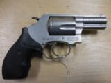 """S&W MOD 60 LADY SMITH 357MAG 2"""" STAINLESS LIKE NEW IN BOX & CASE PRE LOCK - 2 of 2"""