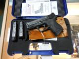 SMITH AND WESSON S&W M&P 40 COMPACT .40 W/ NIGHTS SIGHTS + 3 MAGS AS NEW - 1 of 5