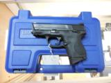 SMITH AND WESSON S&W M&P 40 COMPACT .40 W/ NIGHTS SIGHTS + 3 MAGS AS NEW - 4 of 5