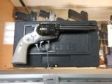 RUGER NEW MODEL VAQUERO BISLEY MODEL STAINLESS .357 SKU 05130 AS NEW W/ BOX - 1 of 3