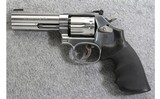Smith & Wesson ~ 617-6 ~ .22 LR - 2 of 4