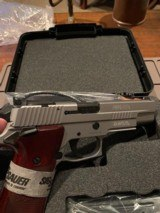 Sig Sauer P220-10-SSE-SAO/ Full Stainless 10mm Elite