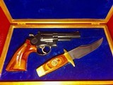 New Never Fired Model 19-3 Smith & Wesson 357 Magnum, Texas Ranger Commemorative Commission. - 1 of 15