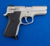 S&W 6906 9 MM