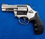 S&W 686-6 SS 7 Shot MFG 2001 .357 Mag WBox - 2 of 3