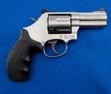S&W 686-6 SS 7 Shot MFG 2001 .357 Mag WBox