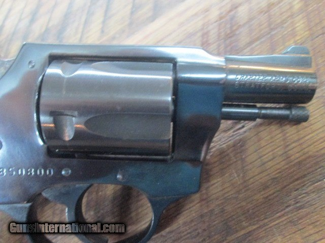 CHARTER ARMS UNDER COVER  38 SPECIAL SNUB NOSE REVOLVER