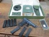 Beretta M9 special editionPistol Original box Accessories