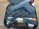 GLOCK 19 GEN 4 9MM SEMI AUTO PISTOL LIKE NEW