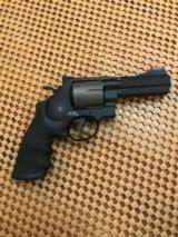 Smith & Wesson, 44 Mag, 329 PD