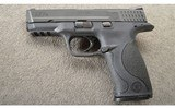Smith & Wesson ~ M&P 40 ~ .40 S&W ~ With Case - 3 of 3
