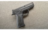 Smith & Wesson ~ M&P 40 ~ .40 S&W ~ With Case - 1 of 3