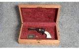 Colt ~ John Wayne SAA Standard Commemorative ~ .45 Long Colt - 4 of 5