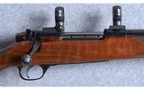 Weatherby ~ Mark V Deluxe ~ .300 Weatherby Magnum - 3 of 10