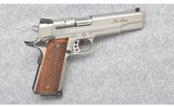 Smith & Wesson ~ SW1911 Pro Series ~ 9 mm Luger
