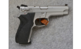Smith & Wesson5906, 9mm Para., Stainless Pistol - 1 of 2
