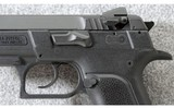 Magnum Research ~ Baby Eagle Compact ~ 9mm Para. - 3 of 6