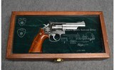 Smith & Wesson ~ 66-2 Southern Pacific RR Police - 4 of 4