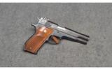 Smith & Wesson ~ 52-2 ~ .38 Special Midrange