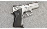 Smith & Wesson ~ Model 6906 ~ 9 MM Parabellum - 1 of 3