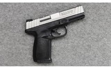 Smith & Wesson ~ SD40 VE ~ .40 S&W