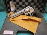 Smith & Wesson model 686 COMPETITOR .357 NIB - 1 of 6