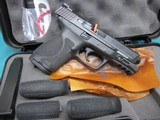 Smith & Wesson Model M&P40 2.0 Compact 13Rd.New in box - 2 of 5