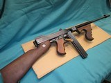 Thompsom 1927 A1 Deluxe Like new .45acp - 1 of 9