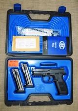 New FNS-9 9mm 17Rd w/Night Sights, Three Magazines, Black