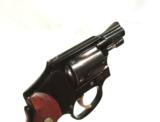 EARLY S&W MODEL 42 AIRWEIGHT REVOLVER IN IT'S ORIGINAL BOX - 5 of 6