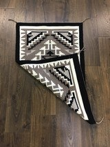 Authentic Navajo Two Grey Hills Rug - 4 of 8