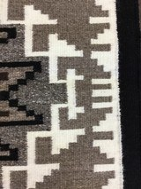 Authentic Navajo Two Grey Hills Rug - 8 of 8