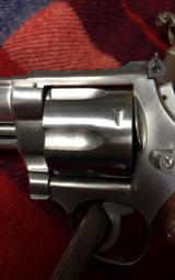 Smith & Wesson M-629 - 3 of 10