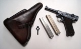 1936 S/42 NAZI GERMAN LUGER RIG WITH 2 MATCHING # MAGAZINE
