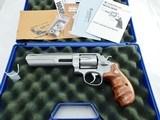 """Smith Wesson 629 Classic Hunter Lew Horton NIB"""" PRE LOCK PERFORMANCE CENTER """""""