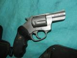 CHARTER ARMS UNDERCOVER .38 LIGHTWEIGHT - 2 of 4