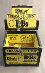 DAISY VINTAGE BB TREASURE CHEST W/BB'S