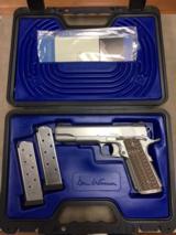 Dan Wesson1911 Valor .45 Auto Pistol -