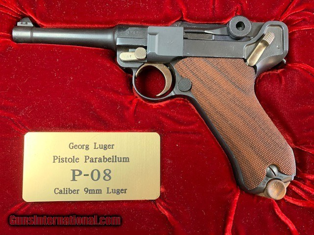 Luger 9mm S/42 Totally Restored - mint -