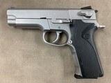 S&W Model 4006 .40 Cal Pistol - excellent - - 1 of 2