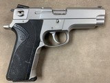 S&W Model 4006 .40 Cal Pistol - excellent - - 2 of 2